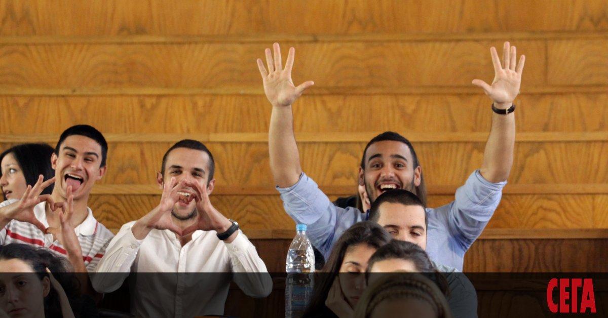 В края на лятото в българските университети ври и кипи.