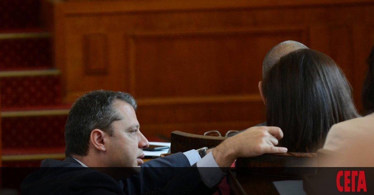 Колкото и да повтаря Бойко Борисов, че желаещи за министри