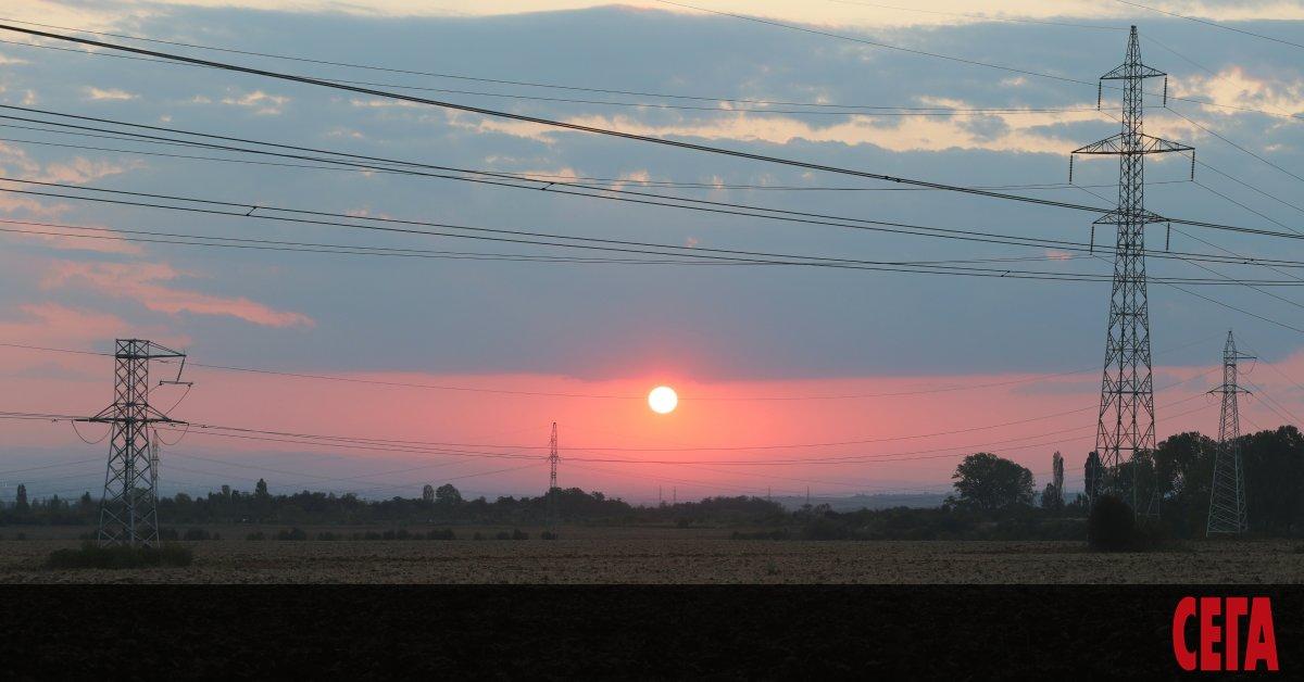 България изнася все по-малко ток, показват данните на диспечера на
