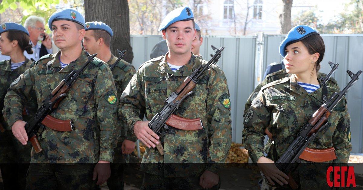 Идеята на военния министър Красимир Каракачанов да се въведе 6-месечна
