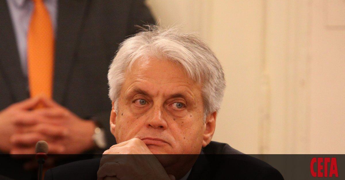 Президентът Румен Радев е назначил Бойко Рашков за член на