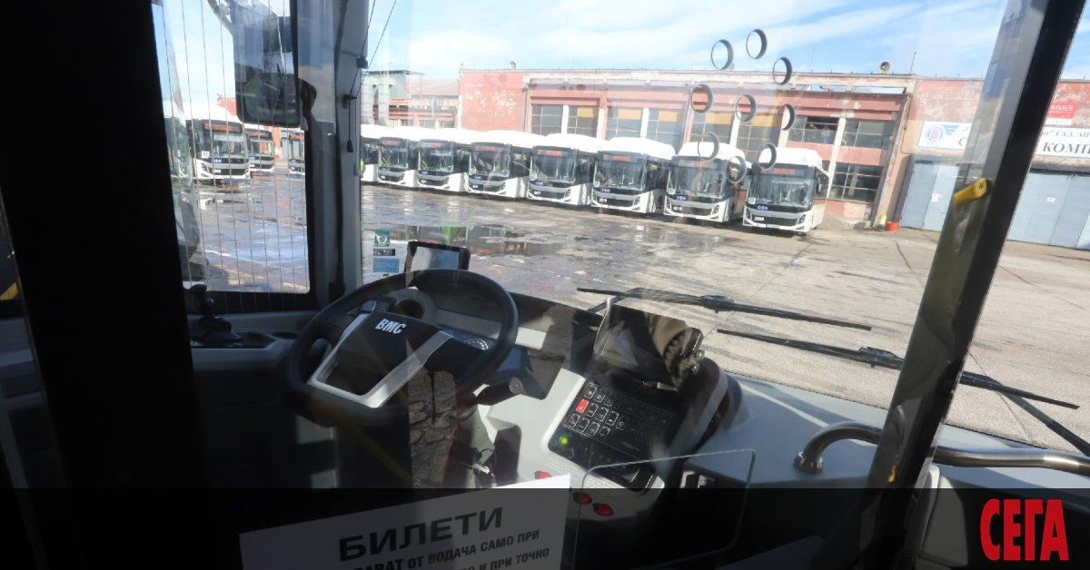 Коланите няма да са задължителни за превоз на пътници по