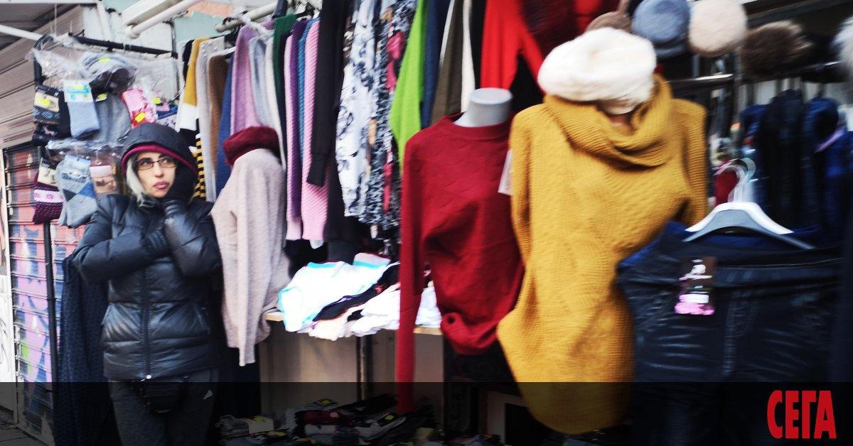 По-скъпи през октомври са станали дрехите, обувките и някои храни
