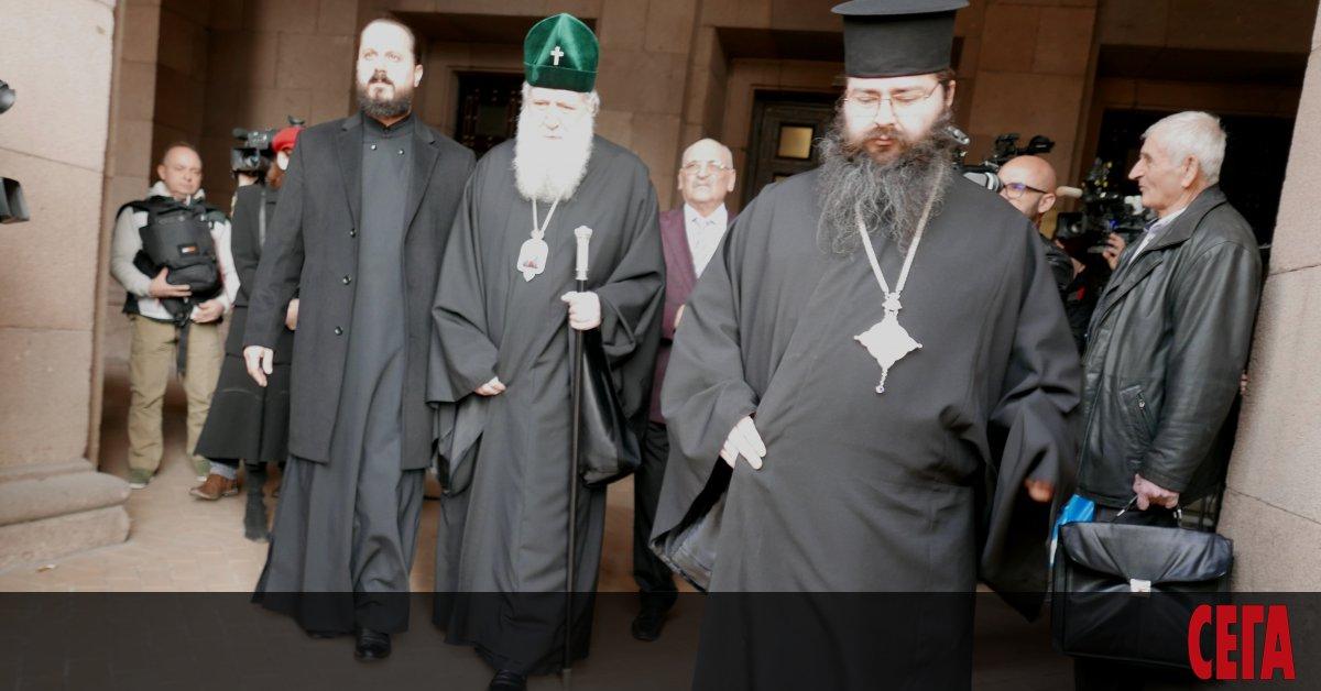 Премиерът Бойко Борисов бе по-рано днес примитрополитите в Синодалната палата