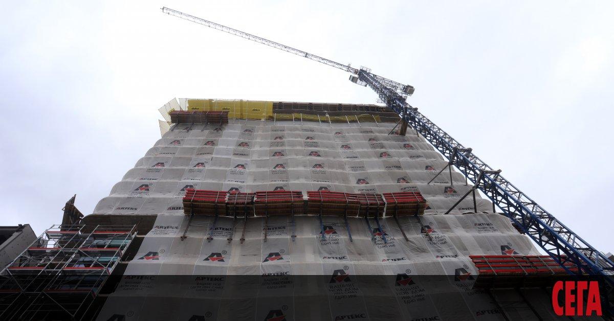 """Строителството на небостъргача """"Златен век"""" в столичния кв. """"Лозенец"""" може"""