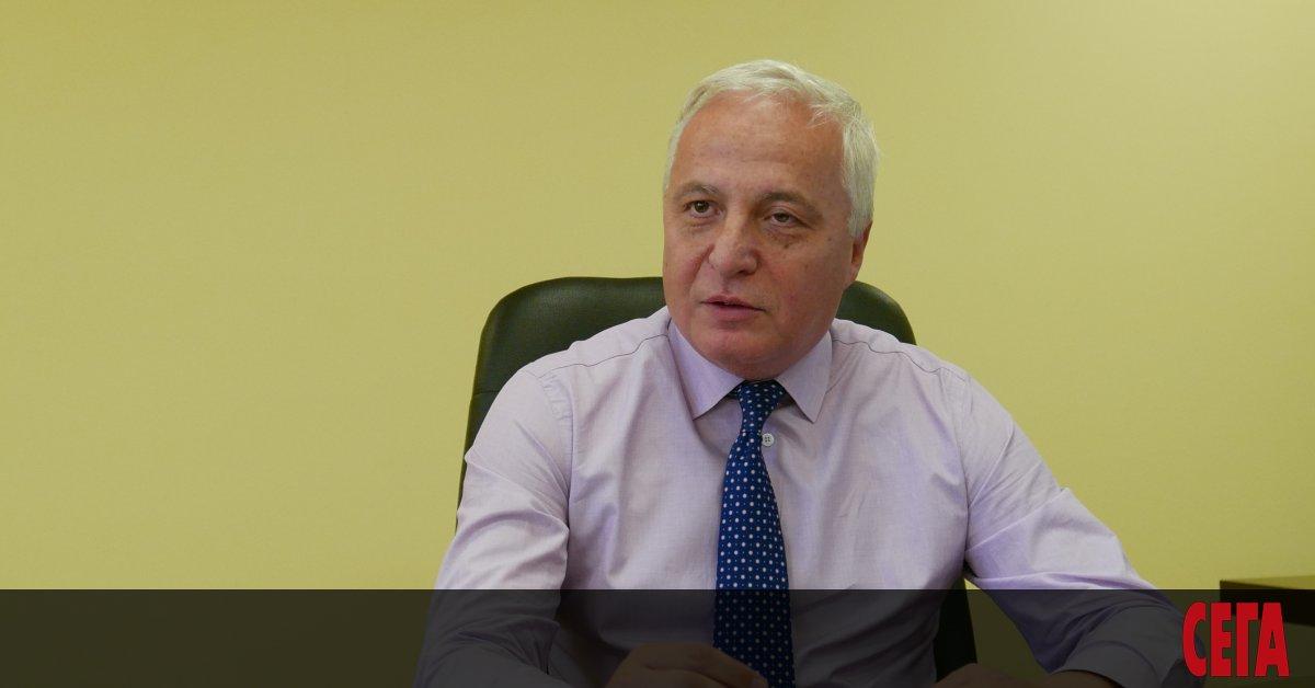 Цветан Цветков е председател наСметната палата от 2014 г. Преди