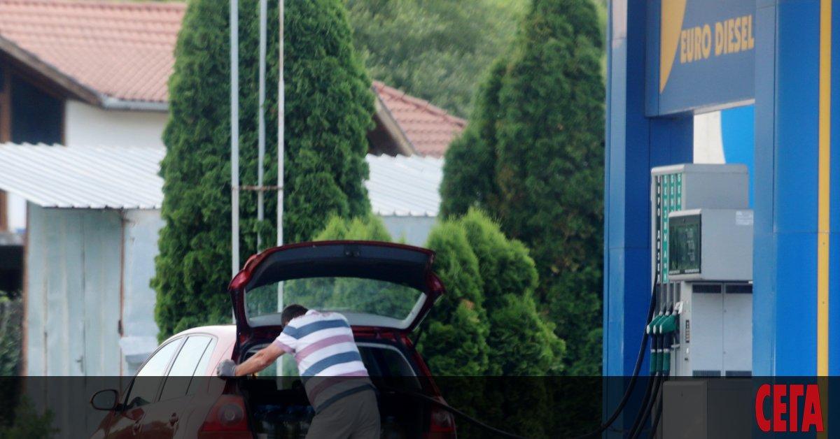 Снимка: Търговците на горива се готвят за рекордно поскъпване