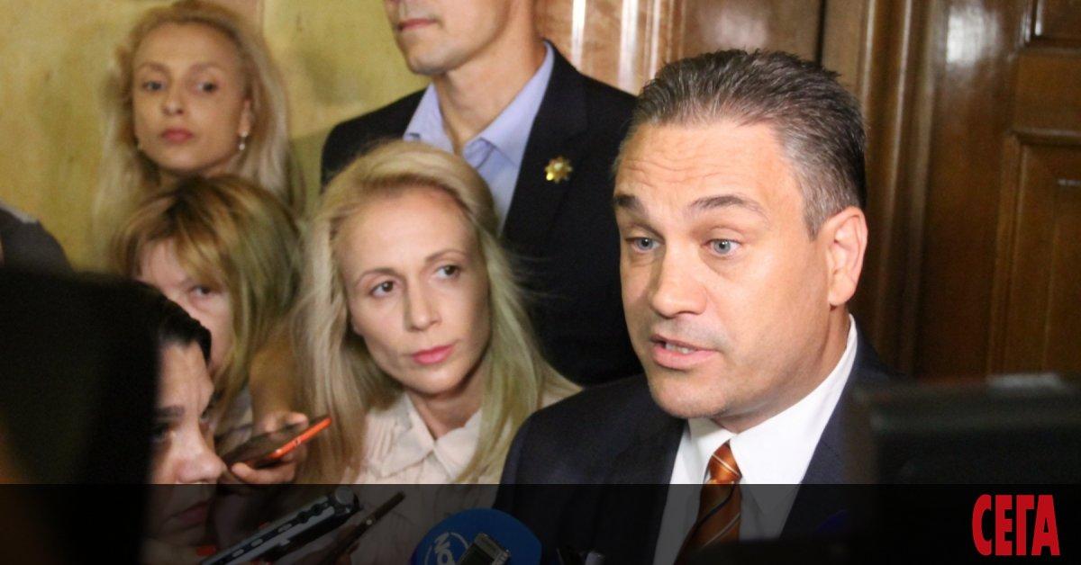 Стотици българи се подписаха в петиция срещу назначението на бившия
