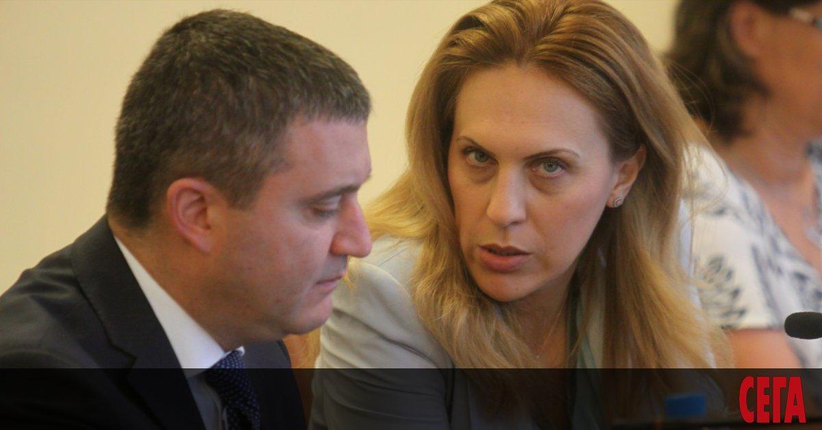 Новият отговорник за киберсигурността в държавата вицепремиерът Марияна Николова има