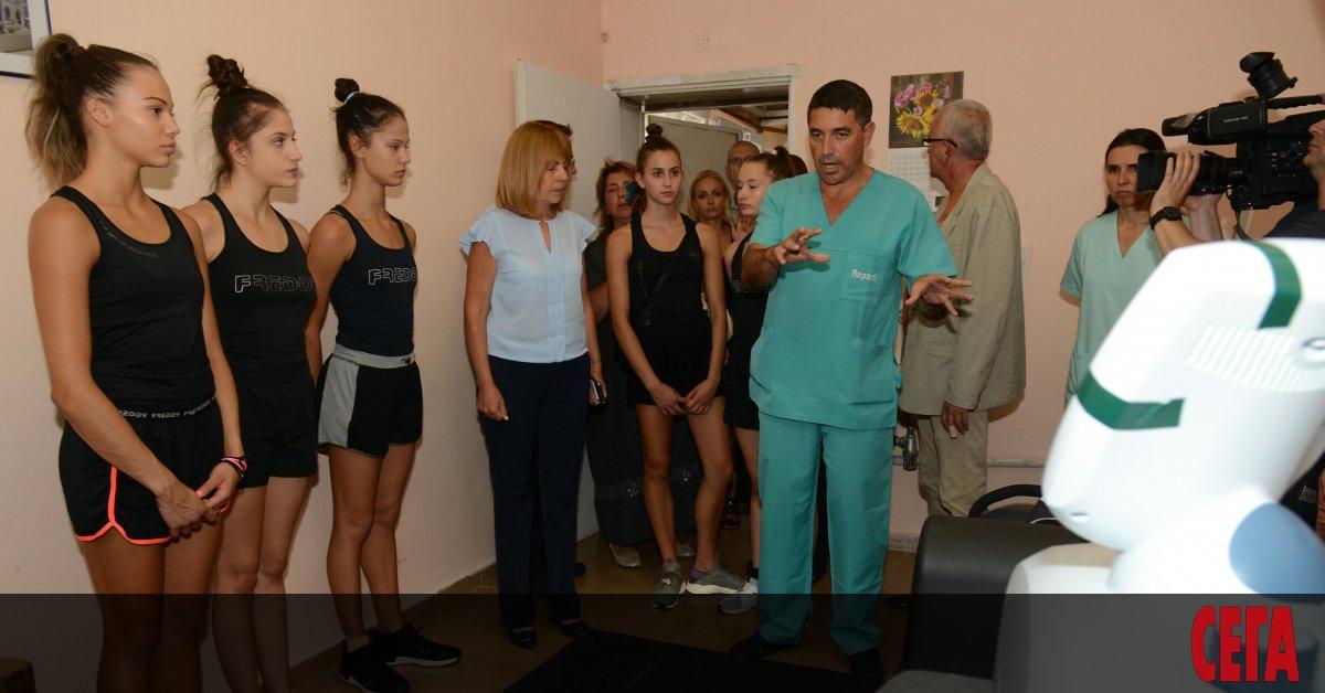 Българският ансамбъл по художествена гимнастика изигра много силно съчетанията си