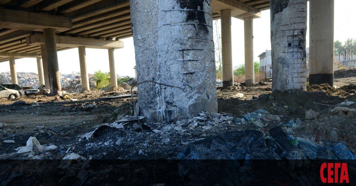 Доста по-дълго от предварителните оценки ще продължи ремонтът на моста