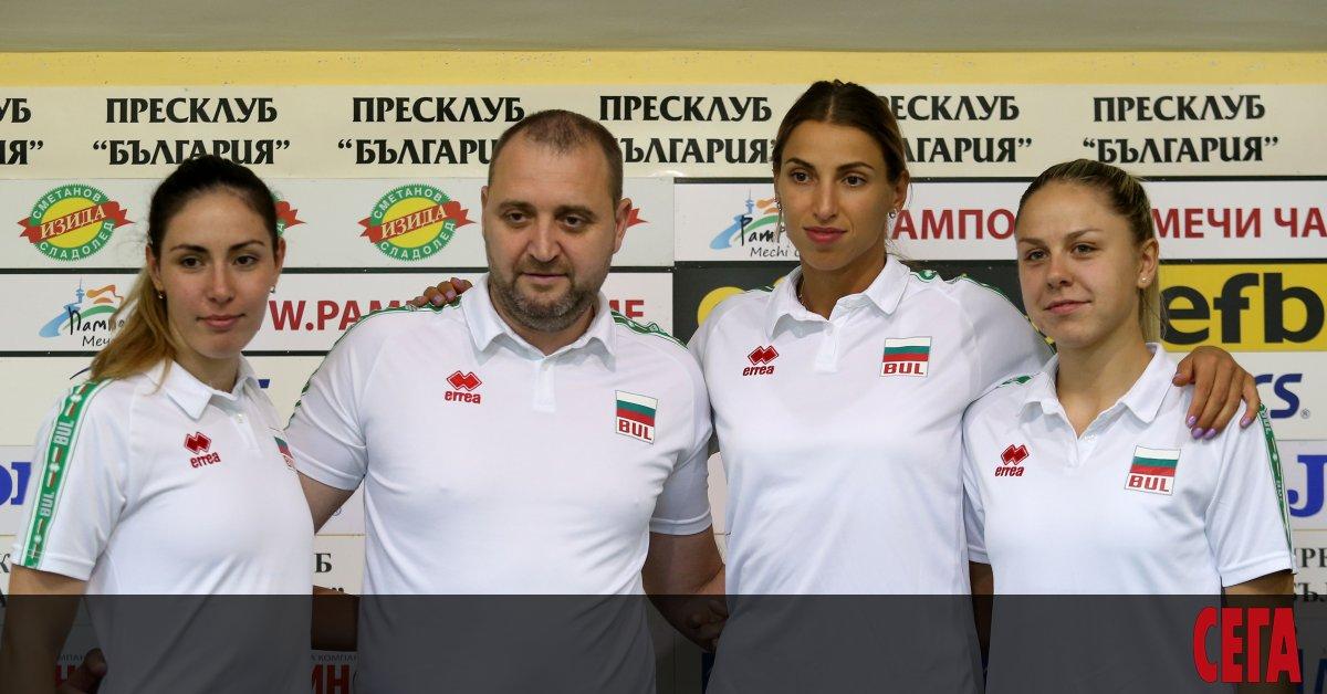 Селекционерът на женския национален отбор по волейбол Иван Петков се