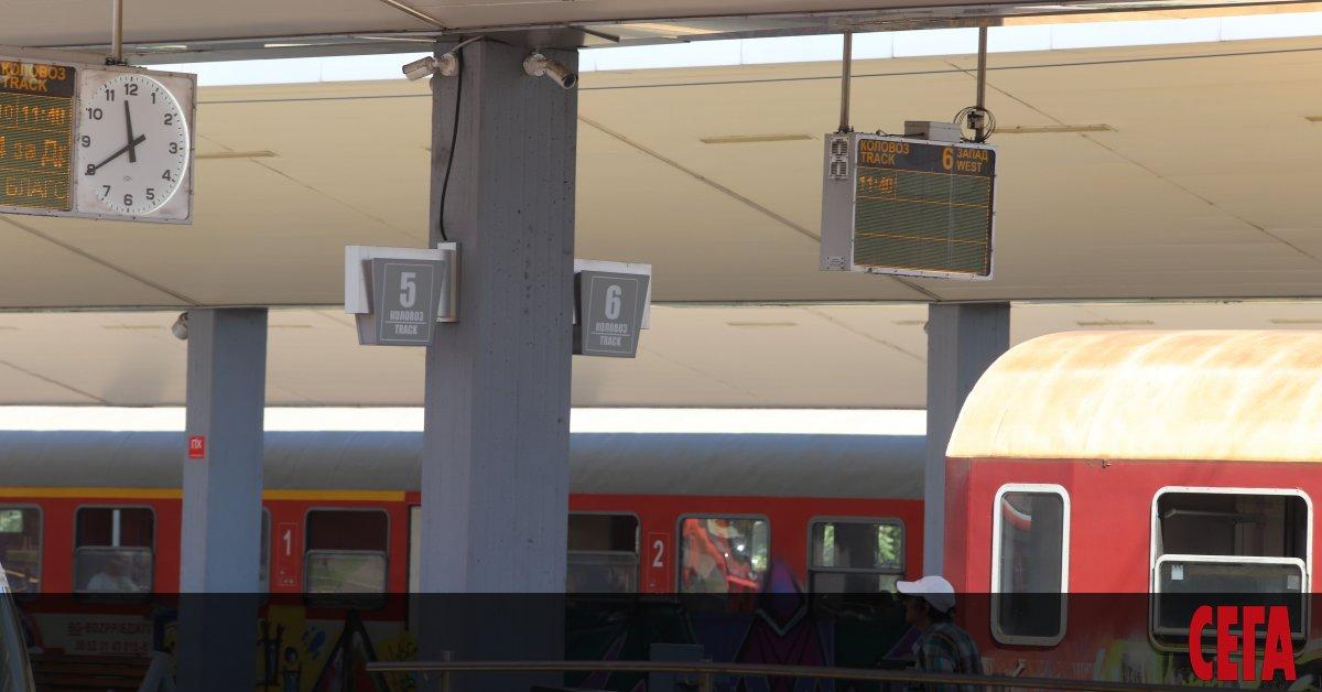 Снимка: БДЖ отменя влакове заради липса на локомотиви