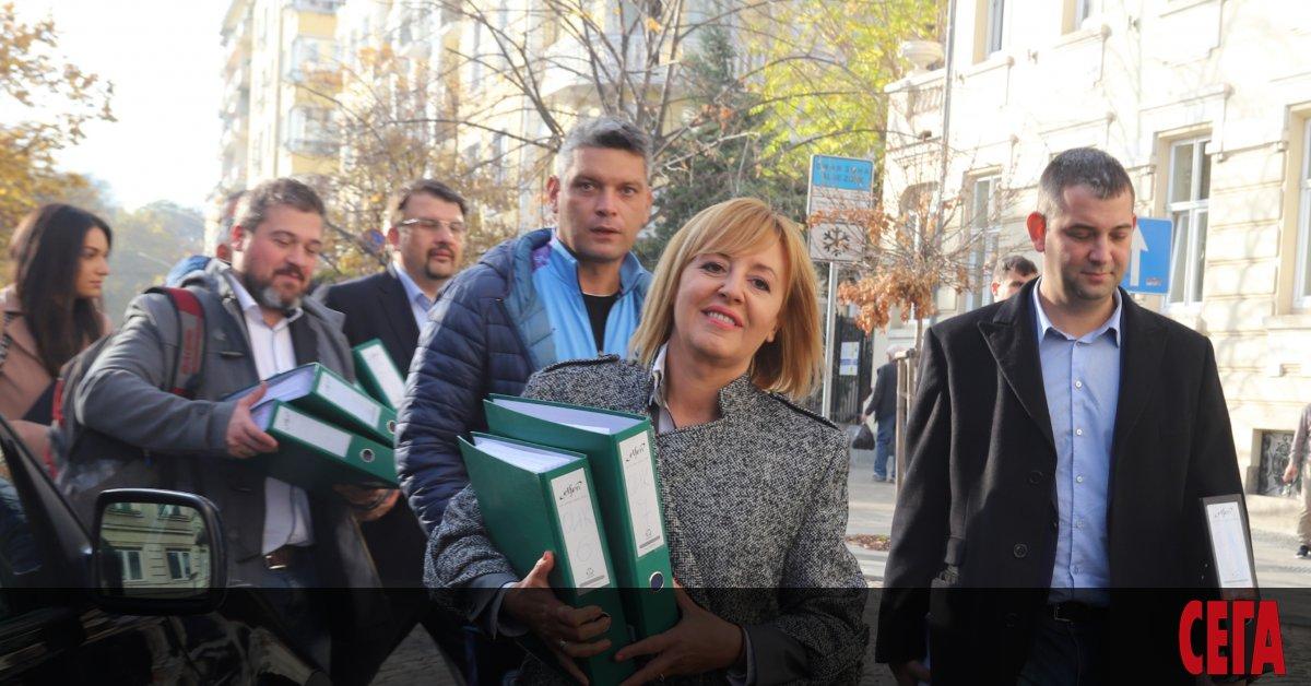 Съдбата на кметските избори в София остава неясна. Във вторник