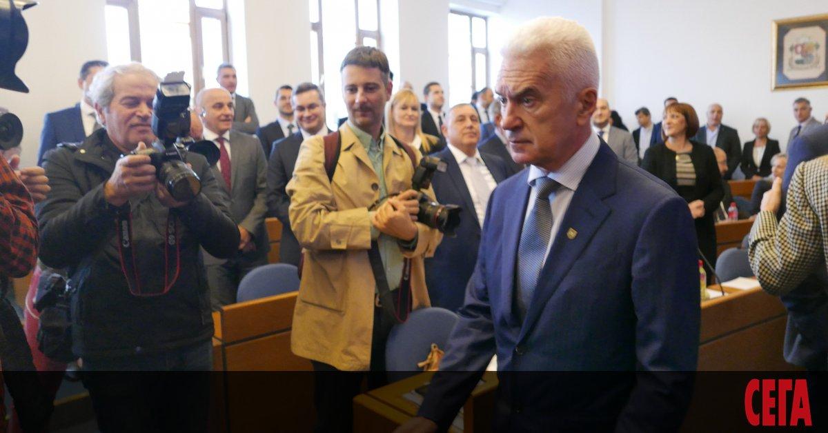 """Враждуващите през цялата предизборна кампания кандидати на ВМРО и """"Атака"""""""