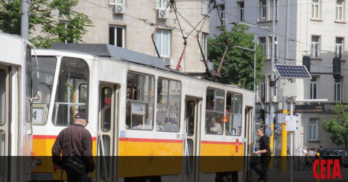 """Три трамвая се удариха в София. Инциднетът станалнабул. """"Искърско шосе"""""""