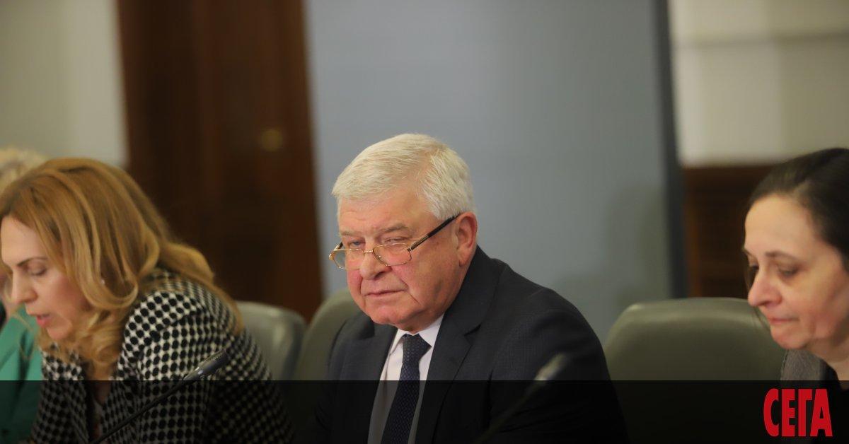 Заповедите, които здравният министър Кирил Ананиев издава във връзка с