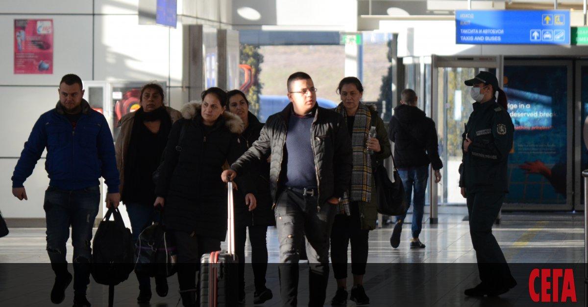 Френският адвокат на върнатите от Париж български сезонни работници Кантен