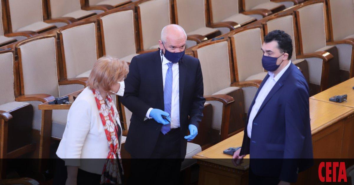 Предложението на правителството за удължаване на извънредното положение до 13