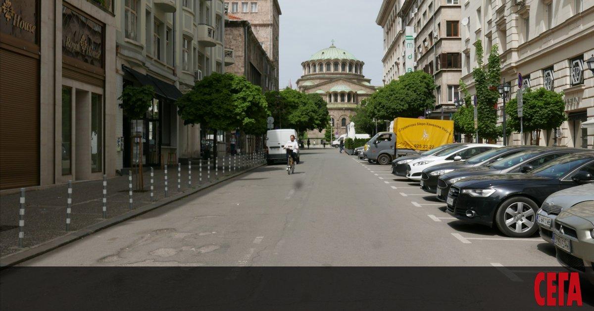 До края на юни движението по централната софийска улица