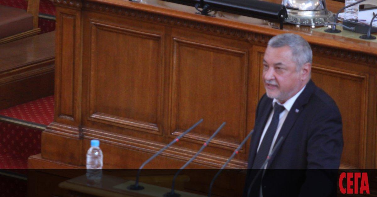 Депутатът Валери Симеонов отново се прицели в хазартния бизнес. Този
