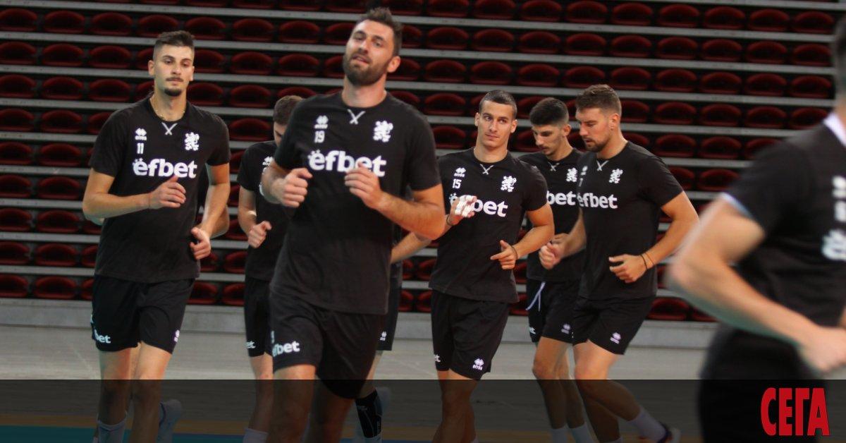 Селекционерът на националитепо волейбол Силвано Пранди обяви, че трябва да