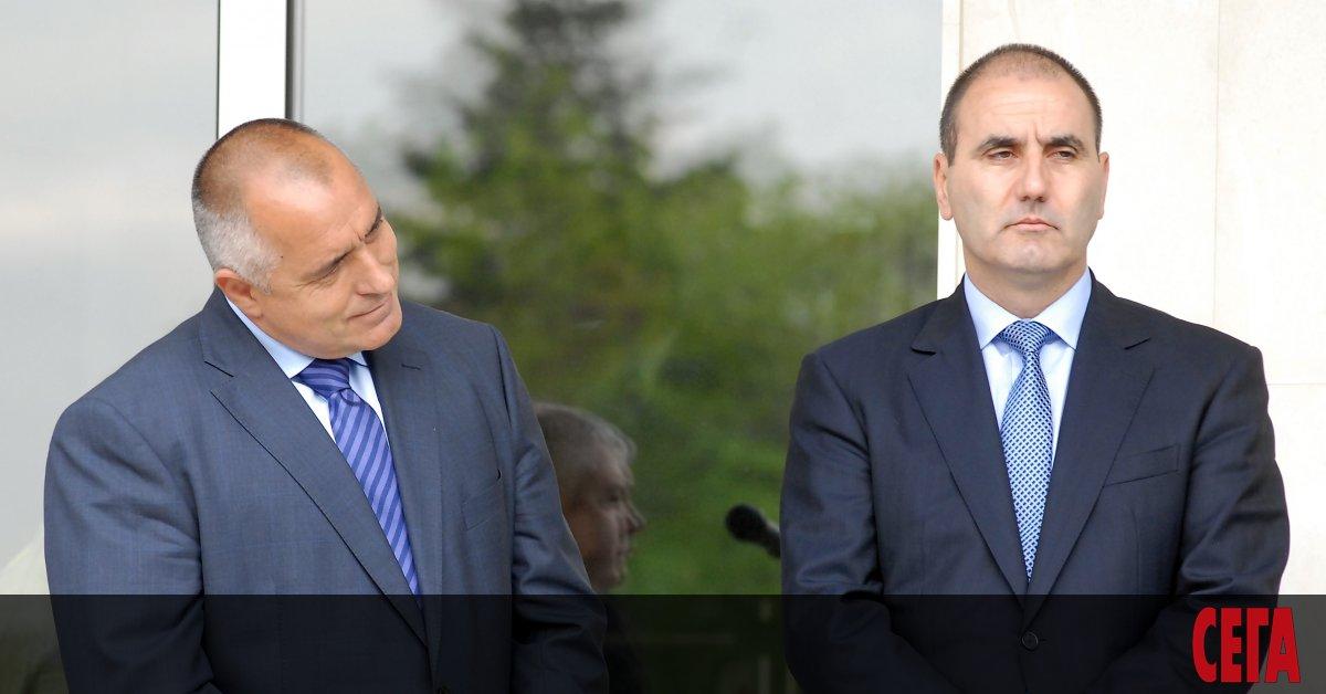 Цветан Цветанов поиска оставката на доскоронай-близкия си човек - премиерът