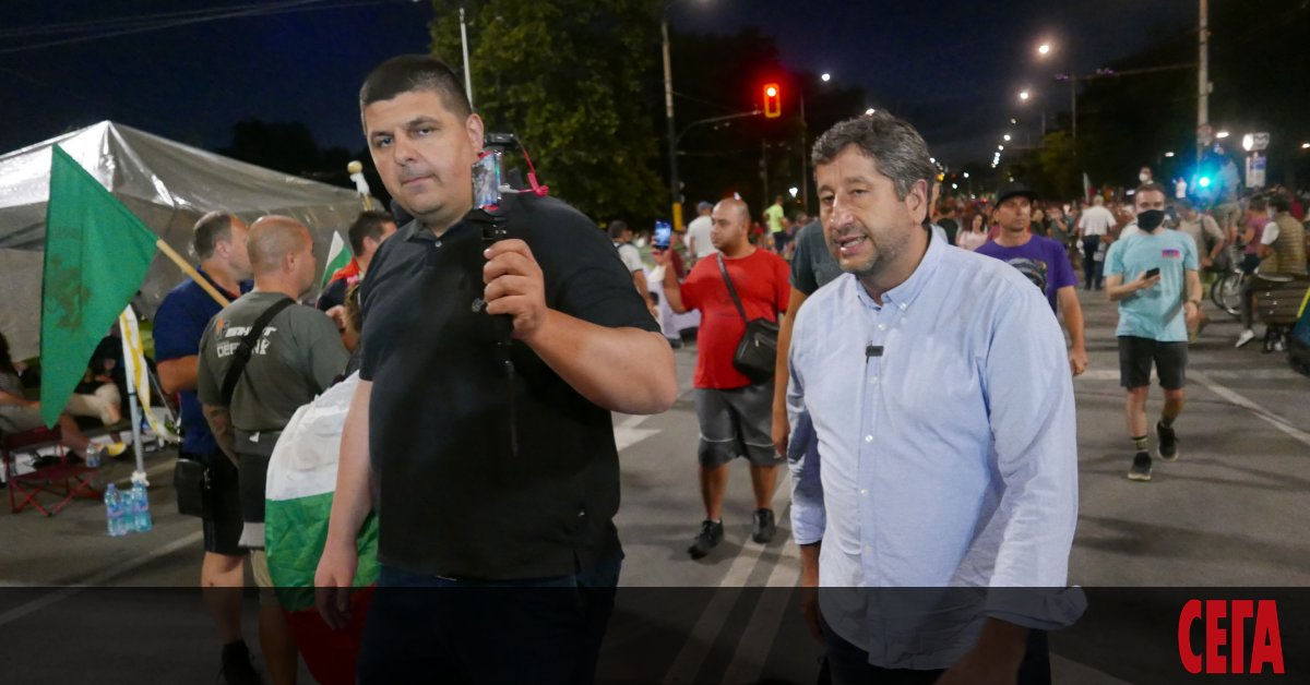 Българските протести продължават да пишат своята биография. Настоящите са третият