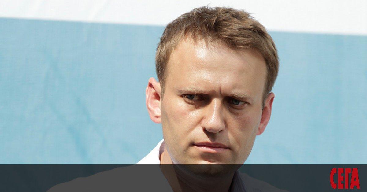 Руският опозиционен лидер Алексей Навални обвиниGoogle и Apple, че са