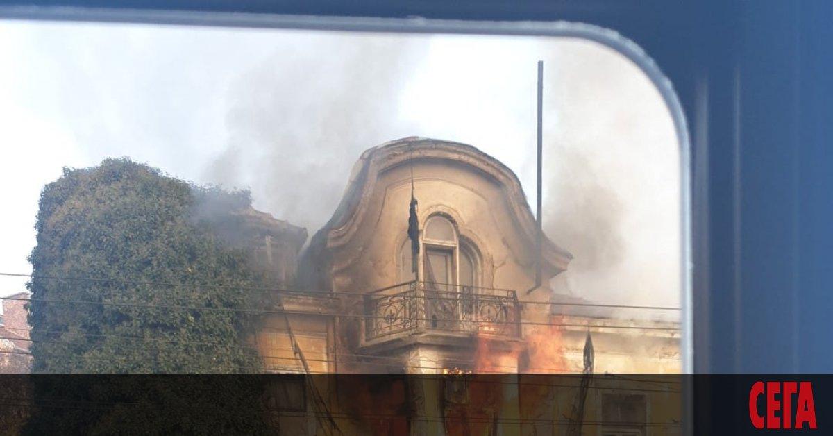 Поредна сграда, която е паметник на културата, горя в центъра