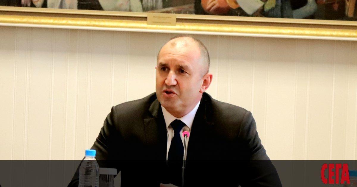 В понеделник президентът Румен Радев ще проведе консултации с представители