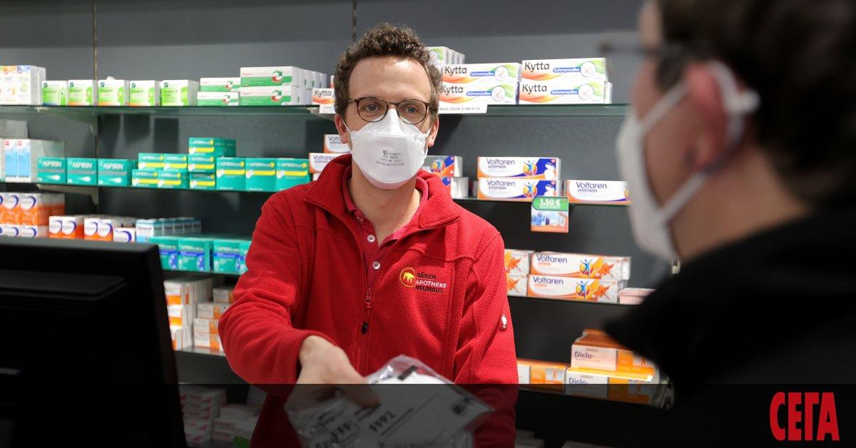 Франция забрани носенето на маски, ушити в домашни условия, тъй