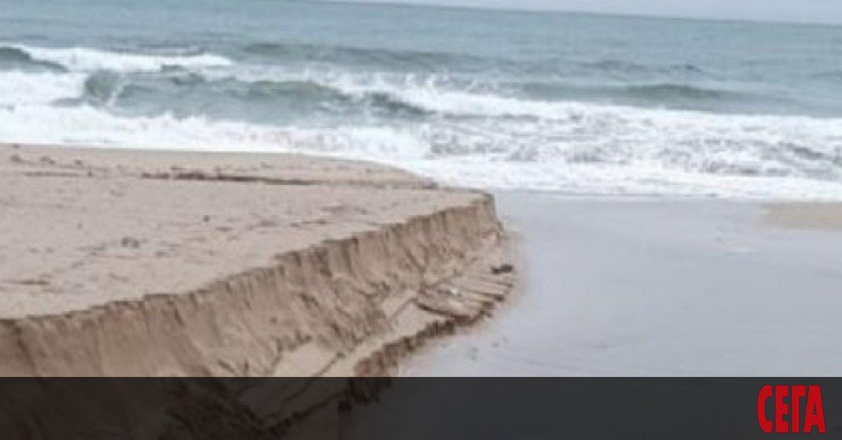 Три проверки са започналина созополските плажове
