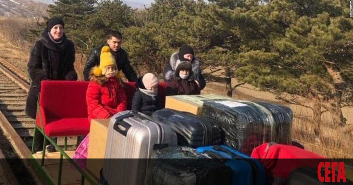 Осем служители на руското посолство в Пхенян, включително и третият