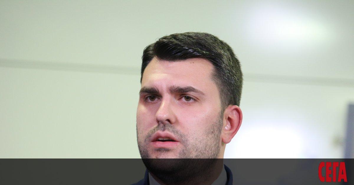 Зам.-министърът на външните работиГеорг Георгиев излъга на пресконференция пред журналисти