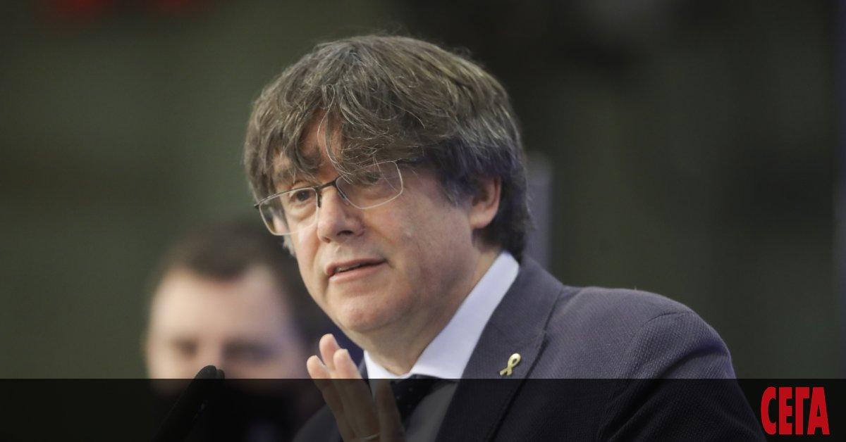 След започнало снощи тайно гласуване Европейският парламент отне депутатския имунитетна