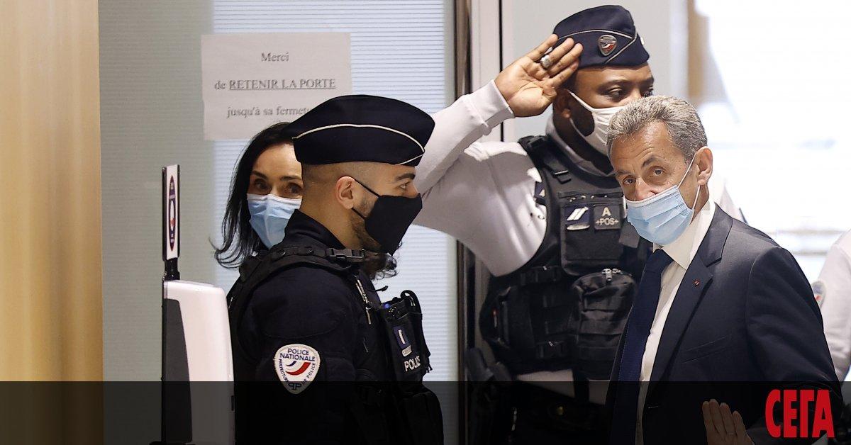Бившият френски президент Никола Саркози бе осъден днес на три