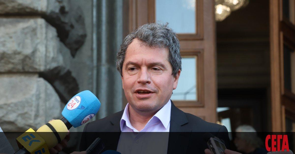 Избраният за депутат от партията на Слави Трифонов сценарист Тошко