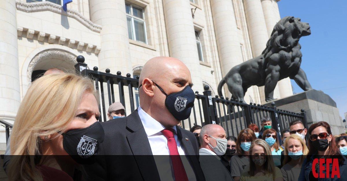 Конституционният съд уважи искането на президента Румен Радев и отмени