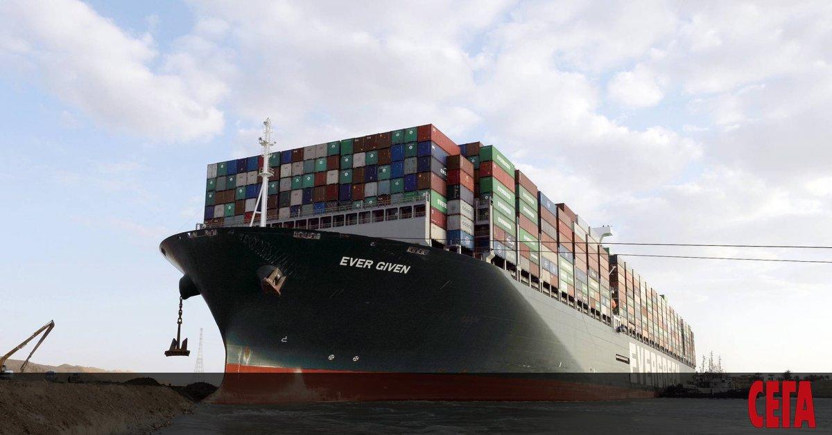 Управата на Суецкия канал арестува днес контейнеровоза