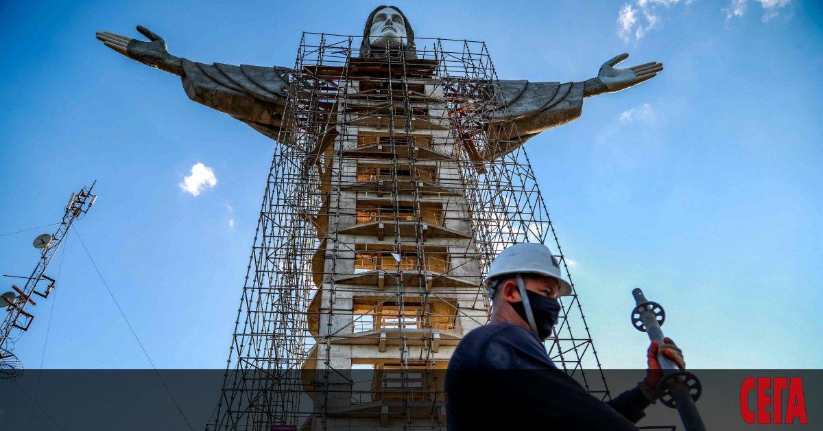 Гигантска нова статуя на Христосв южната част на Бразилия ще