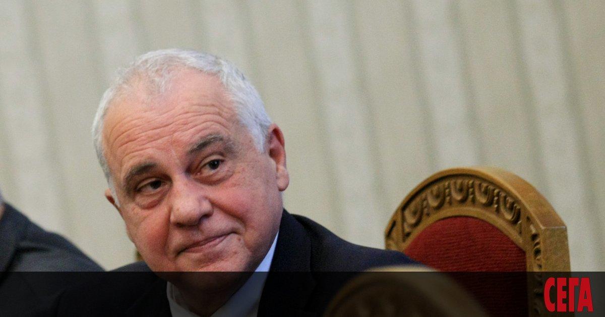 Двама дипломати от българското посолство в Москва са обявени от
