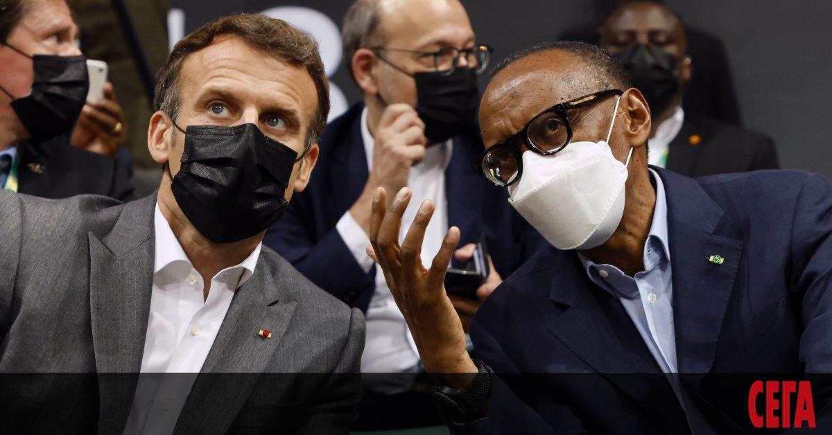 Френският президент Еманюел Макрон последва примера на и заяви, че