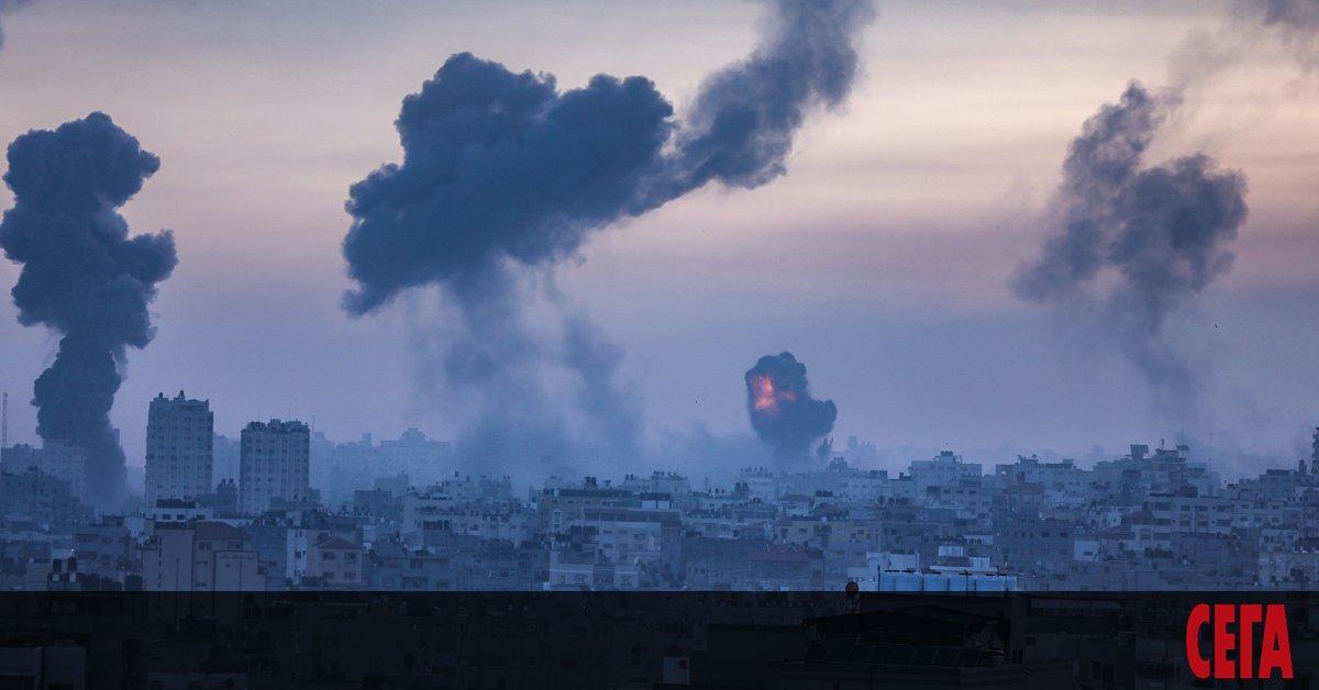 Поне 35 души са загинали в ивицата Газа при бомбените