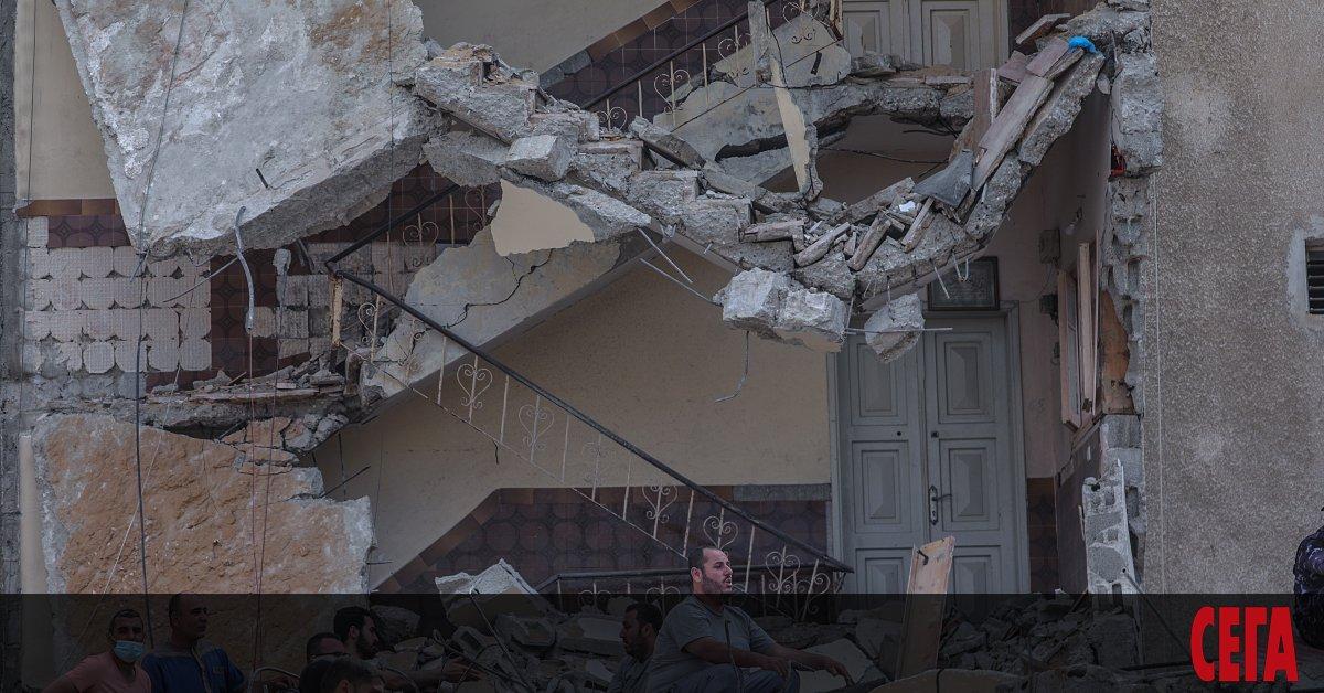 Поредицата от нападения рано сутринта в понеделник, която разтърси Газа,
