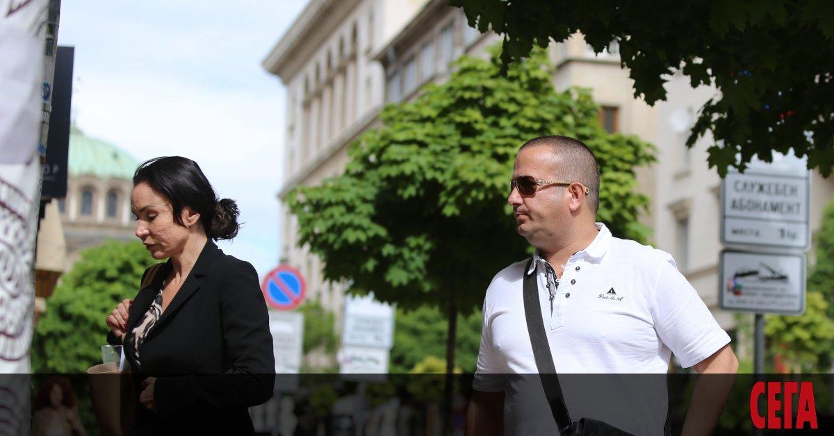 Разпитът на бизнесмена Светослав Илчовски в прокуратурата днес продължи около