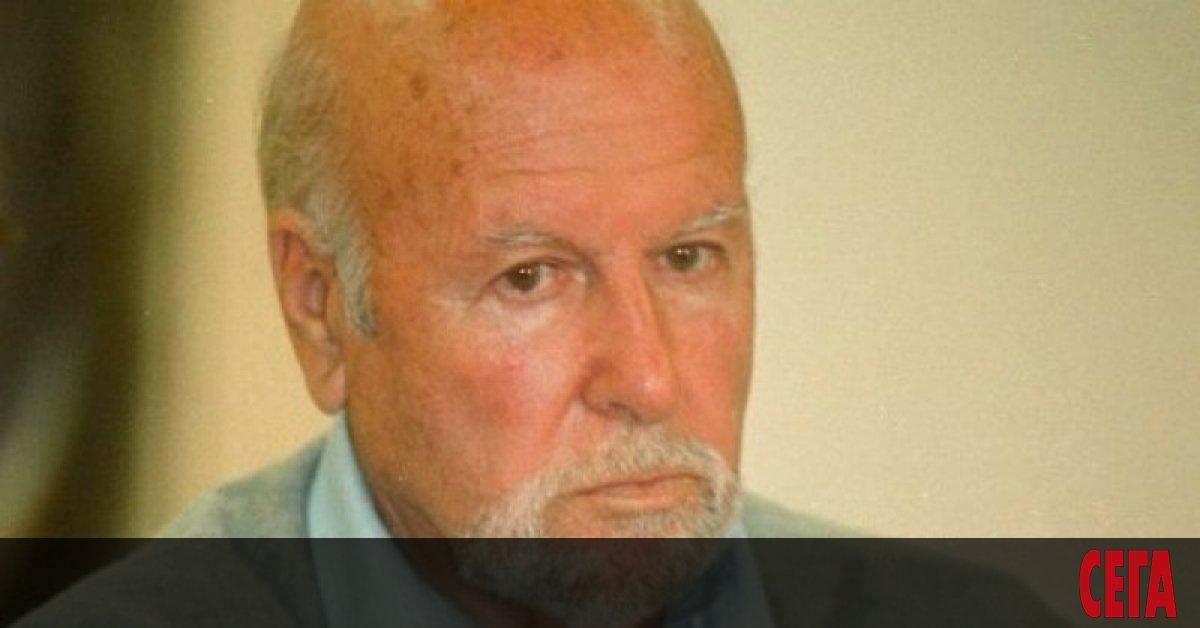 Със съгласието на автора Чавдар Добрев историите са избрани от