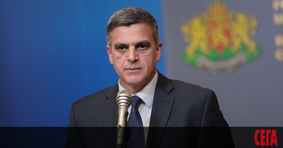 Очакванията за служебния кабинет се сбъднаха. Премиер станаСтефан Янев. Указът
