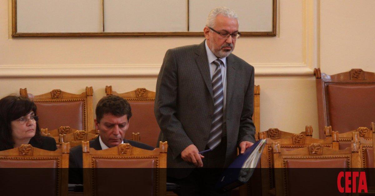 И бившият служебен вицепремиер и министър на здравеопазването Илко Семерджиев