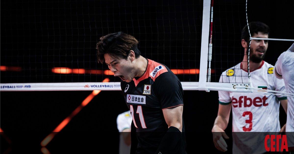 Българският национален отбор продължи пропадането си към дъното във волейболната